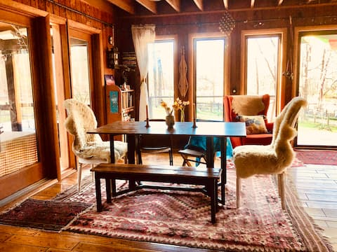 Frolic Fields: The Artists' Homestead in the Woods