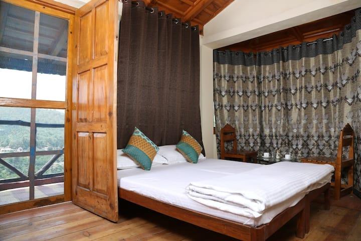Deluxe Room In Nainital