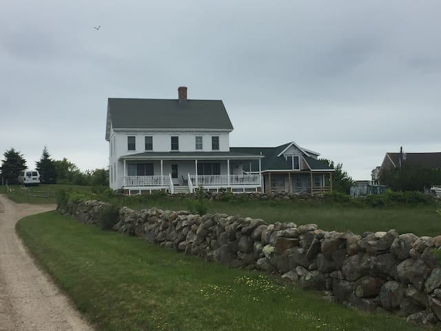 Red Gate Farm: Heart of New Harbor