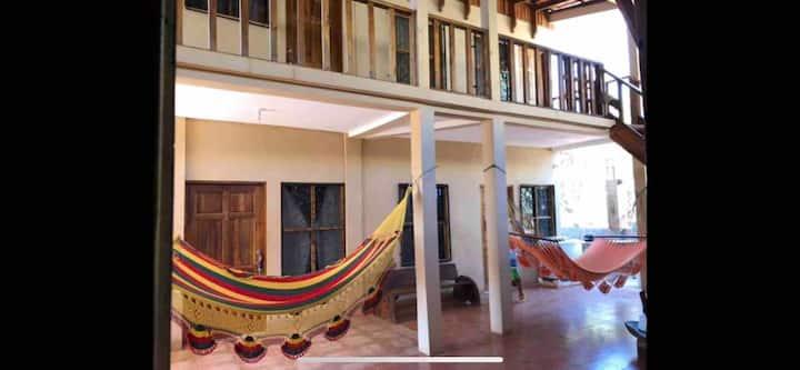 Cabinas Safari Surf -Los Pargos - Playa Negra