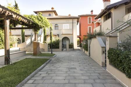 Borgo23  Wifi e Garage a 15 minuti da Firenze