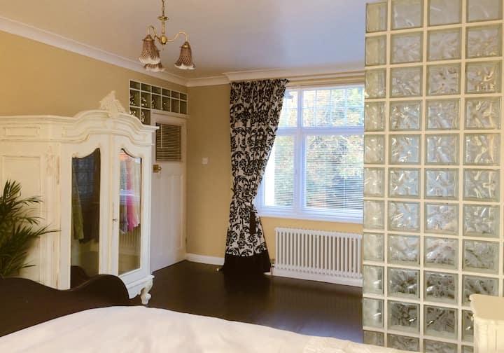 The Chichester Boutique - The Rococo Suite