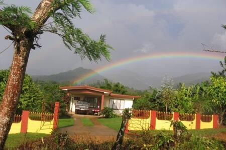 La Casona in Montecarlo - for nature lovers - San Isidro de El General - House
