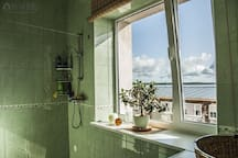 Sea view apartment with sauna