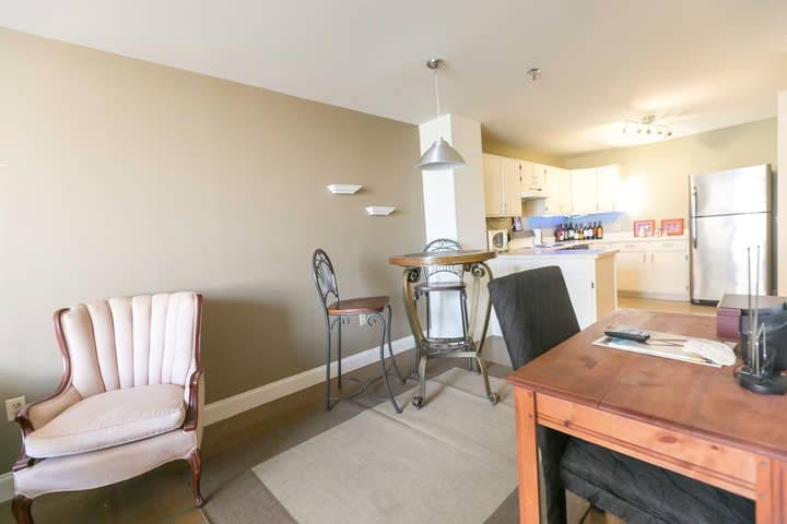 Simple Apartment - Discounted Long Term Pricing!