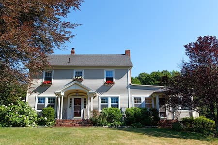 New England Colonial-Friends & Family Retreat - Pomfret - Villa