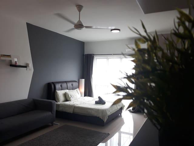 Chillax Studio Suite @ Equine Park Seri Kembangan