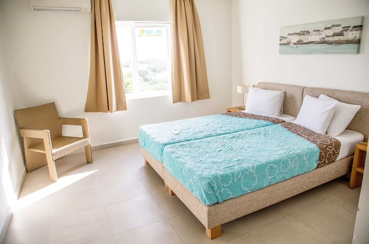 2nd bedroom  with twinbeds  and own bathroom/toilet
