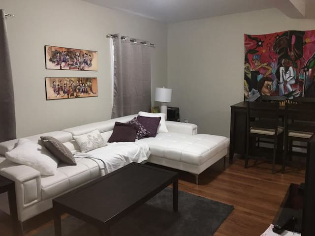 Lovely Downtown HfX APT Near the Boardwalk-Parking