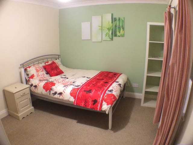 Great Double Room In Shared House Near Danson Park - Bexleyheath - Ev