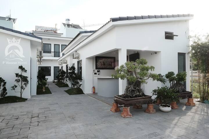 P'House Hotel