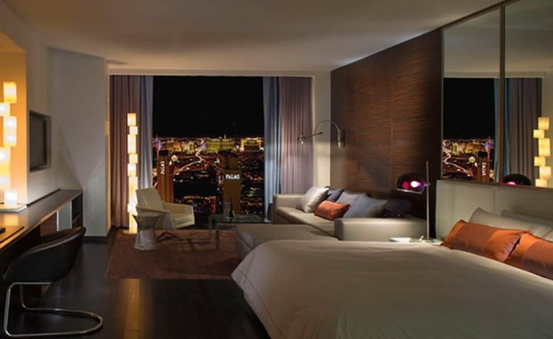 30th Floor Luxury High Rise Studio - Las Vegas