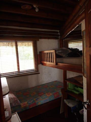 dormitorio # 2 con litera