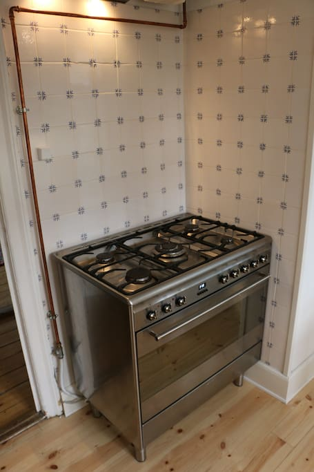 out 5 pit stow makes cooking easy for even large families