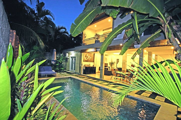 Villa Manik in Seminyak next to Kudeta beach