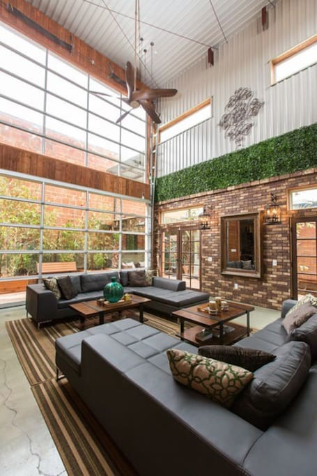 Downtown area bamboo loft 6br 11 beds lofts for - Loft industriel san diego californie ...