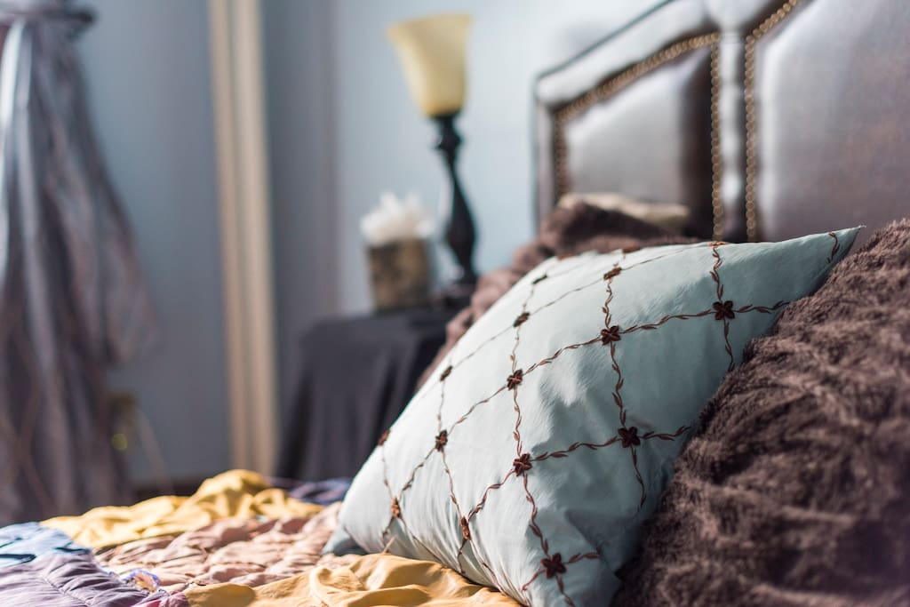 We like plush linens and amazing coffee and think you will too.