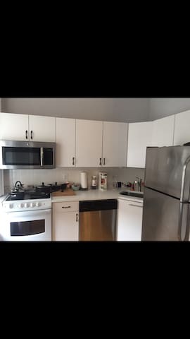 Harvard Sq/MIT Area 1Bed +Parking near Everything! - Somerville - Apto. en complejo residencial