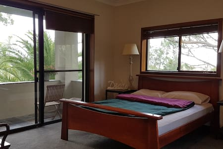 Bedrooms with private balcony and lush outlooks. - Frenchs Forest - House