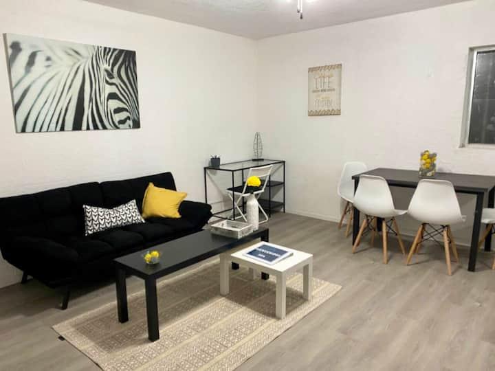 Black & White 664  / Confortable appartment