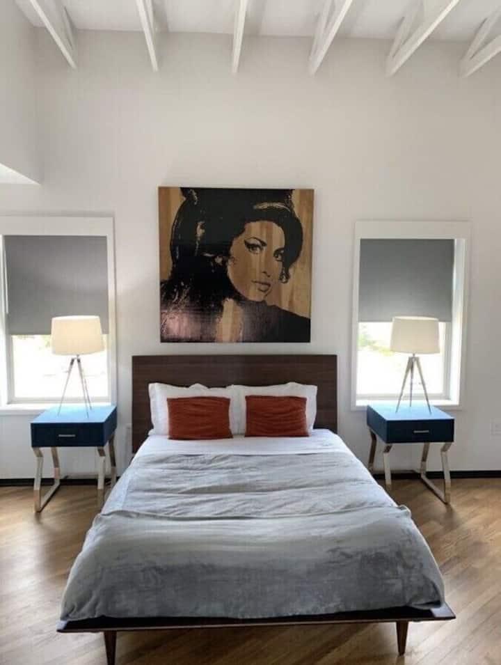 Bishop Arts Lofts Unit 9 Penthouse Suite