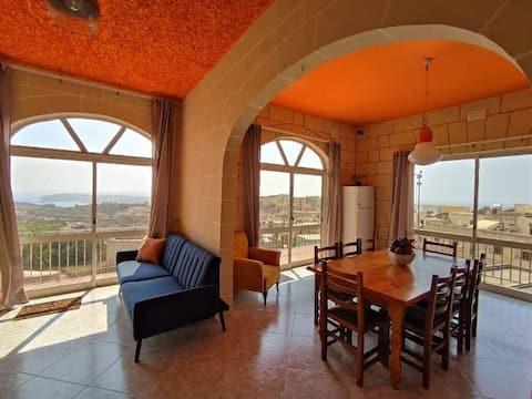 Ampla área para 3 quartos, vistas deslumbrantes, área externa