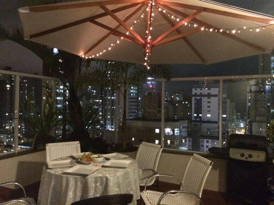 moveis do terraço para jantar panoramico