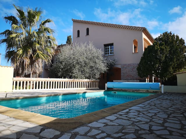 """""""Villa Cannelle""""with swimming pool-city center"""