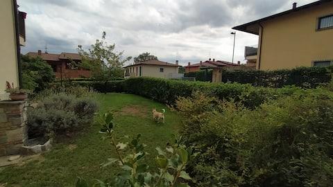 ...La casa di Laura... Ai piedi del mt. Cornizzolo