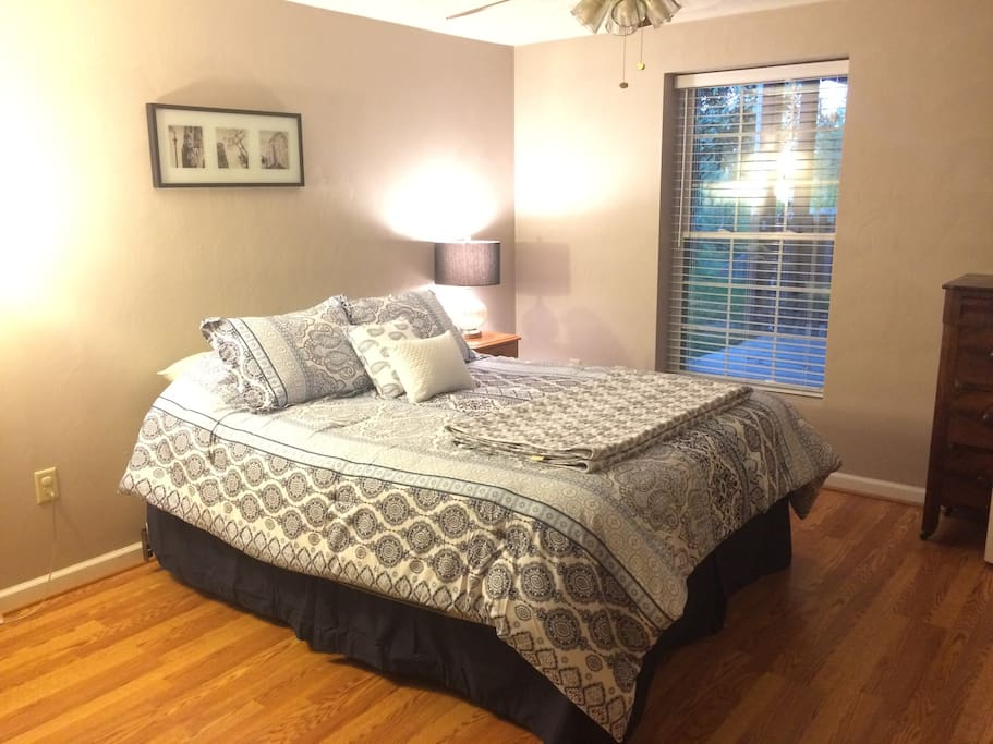Queen bedroom with brand new pillow-top mattress