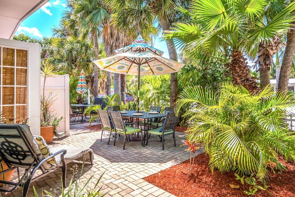Private Patio Lounging and Dining - off master westerly exposure