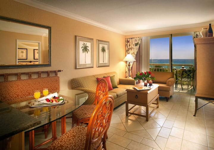Luxury Oceanfront Stylish Condo Palm Beach Shores