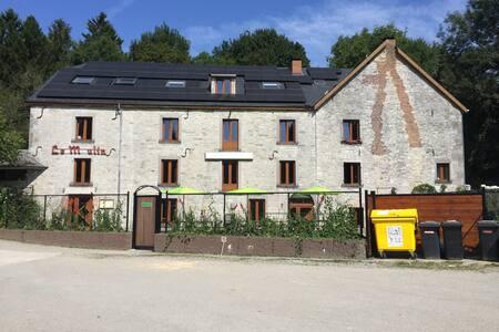 Vakantiehuis voor groepen 34-57 p. - Philippeville - Talo