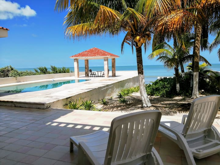 Beautiful Beachfront House in Yucatán