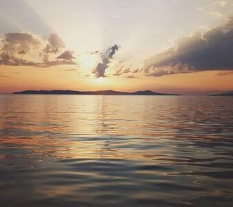 Ucuz tatil için Erdek'e Deniz kıyısına gelin