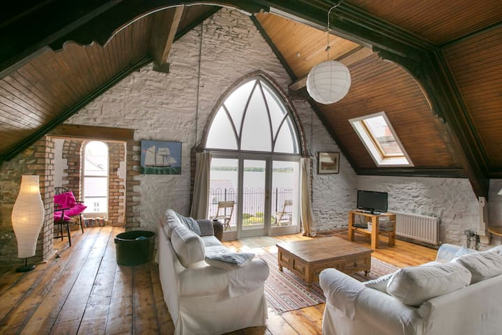 Spacious LOFT, lough views,  WiFi - Portaferry - Квартира