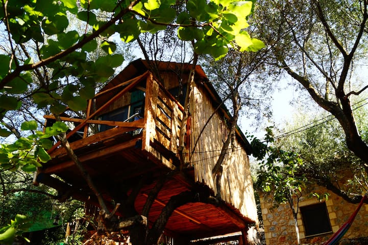 Tree House with Balcony near Kalamata