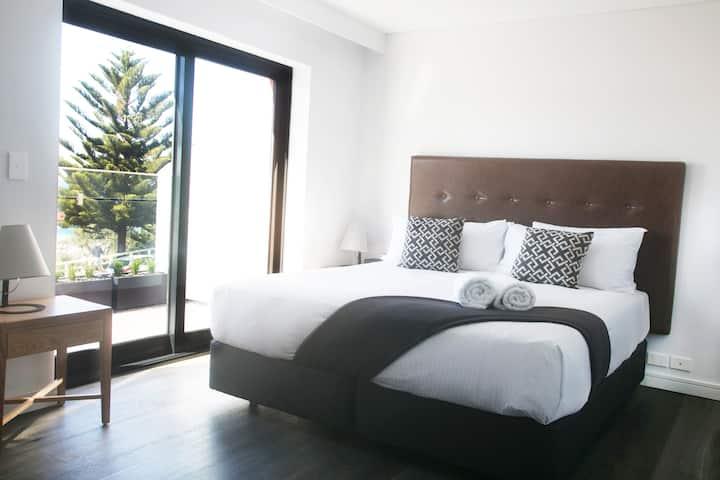 Studio Suite Ocean View and Balcony