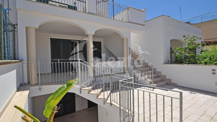 Villa Three bedroom just 700 meters from the beach