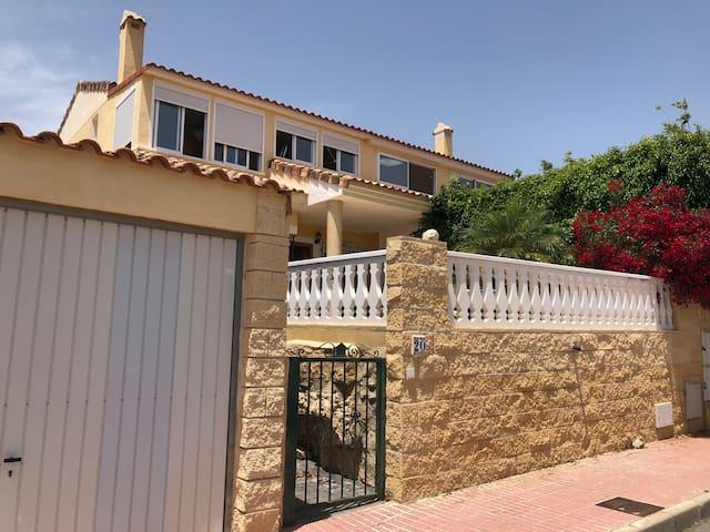 Villa in El Dorado Country Club - Costa Blanca