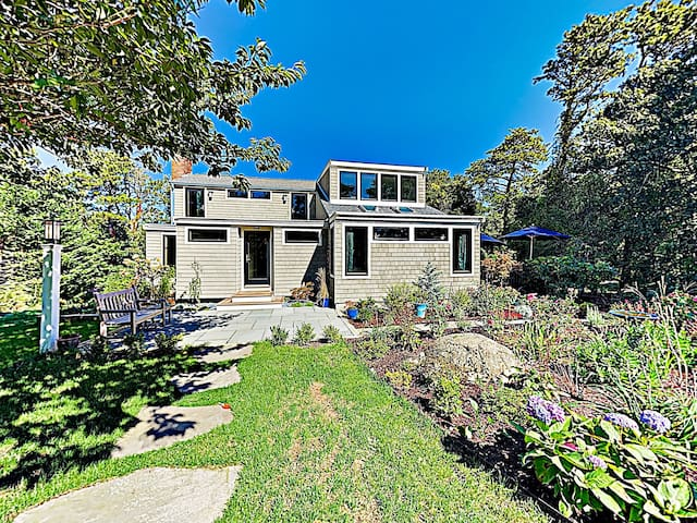 New Listing! Wooded Haven w/ Bay & Beach Access