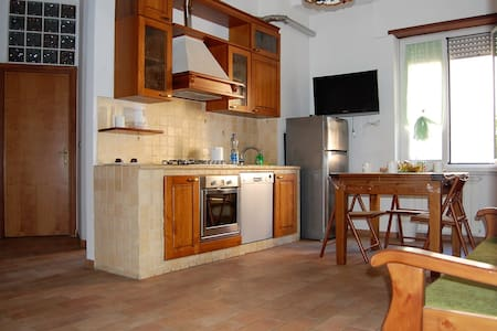 Entire apartment in central and quiet area - Roma - Apartment