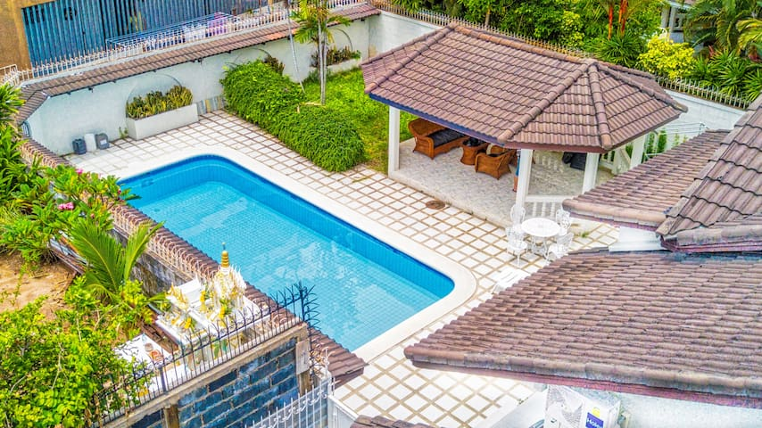 Private Pool Villa up to 8-16 guest walking street