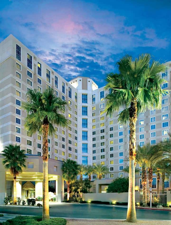 Hilton Grand Vacations on Paradise LVCC 2bdrm