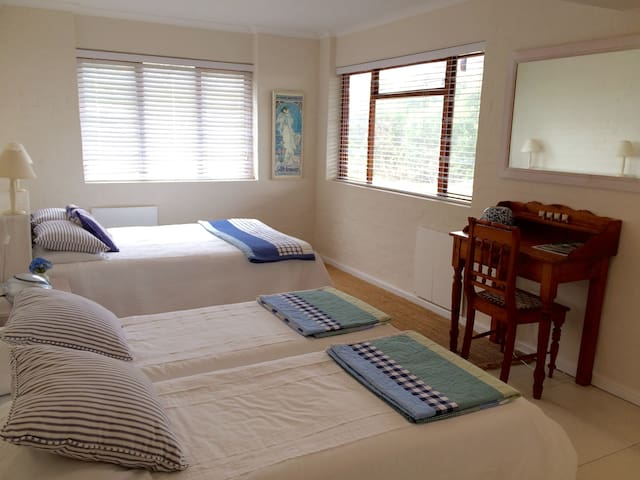 Comfortable, private flatlet in lovely Keurbooms.