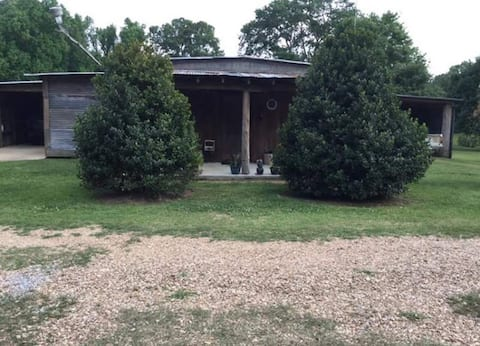Tunica Falls Cabins - Peg Leg Pete's Lodge