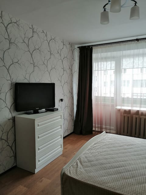 Уютная однокомнатная квартира с видом на озеро.