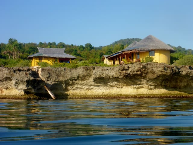 Ocean front private house with sea access - San Juan - Rumah