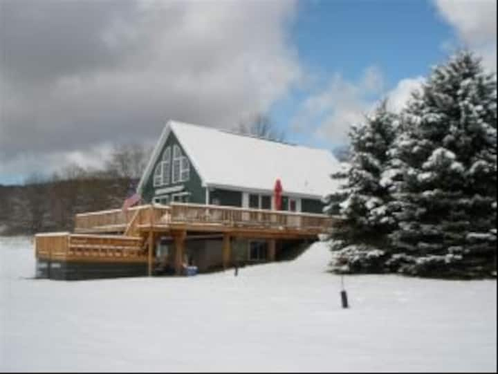 Christian Hollow Lodge - Main level/Loft