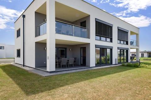 Classy Holiday Home in Lutzmannsburg with Garden